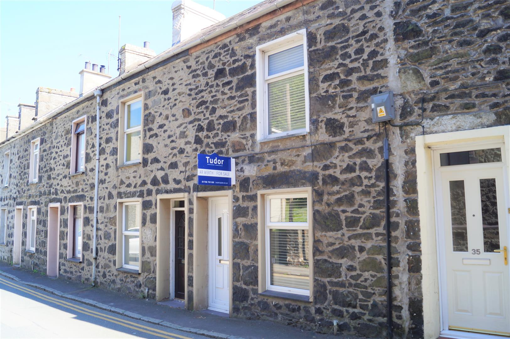 North Street, Pwllheli - £107,500/Price